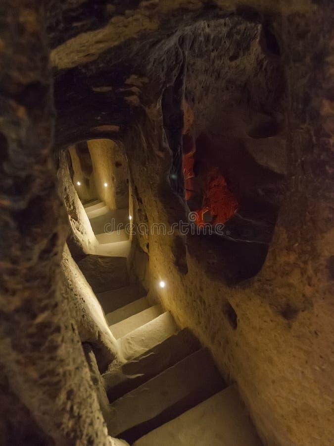 Untertagestadt Derinkuyu ist eine alte mehrstufige H?hlenstadt in Cappadocia, die T?rkei stockbilder