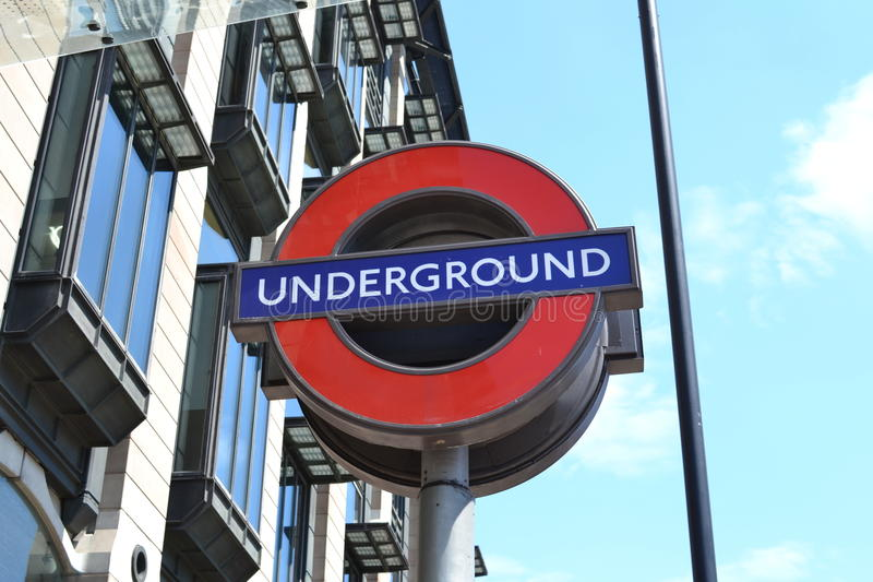 Untertagezeichen in London stockfotos