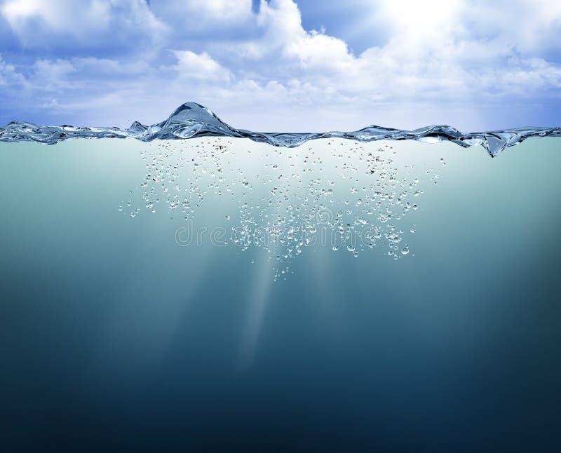 Unterwasseransicht mit blauem Wasser lizenzfreie stockfotografie