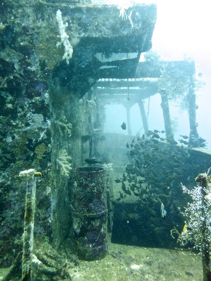Unterwasserlieferungs-Wrack stockbilder