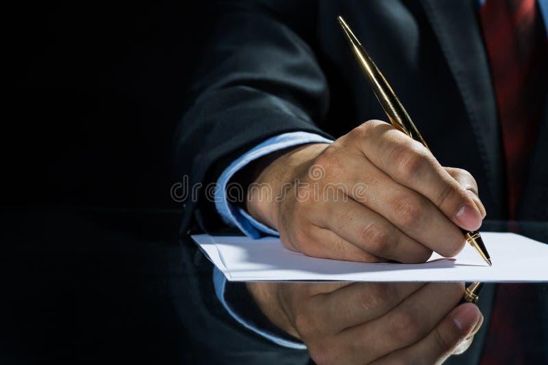 Unterzeichnen eines Abkommens! lizenzfreie stockfotos