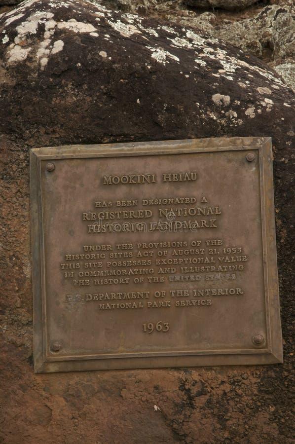 Unterzeichnen Sie die Kennzeichnung des heiligen kulturellen Standorts von Mookini Heiau auf Hawaii stockbilder