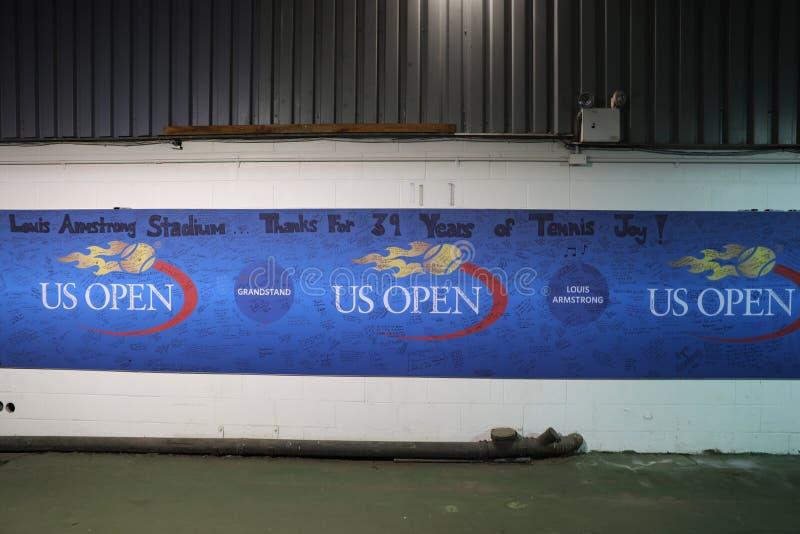 Unterzeichnen Sie nach letztem Pflichtspiel bei Louis Armstrong Stadium bei Billie Jean King National Tennis Center stockbild