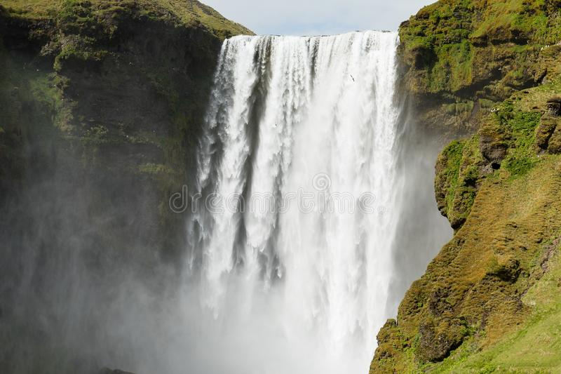 Uo Skogafoss siklawa w Iceland zdjęcia royalty free