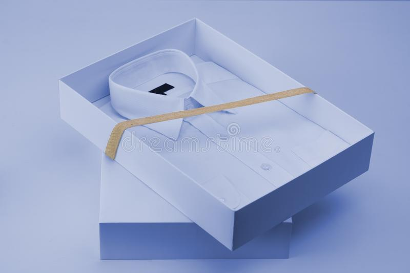 Uomini camicia, concetto di affari del regalo immagine stock libera da diritti