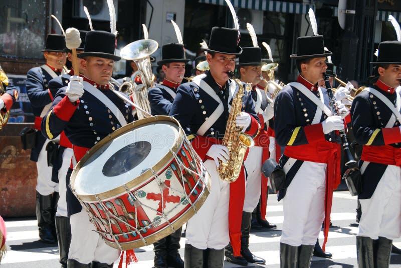 Uomini in costume del soldato fotografie stock