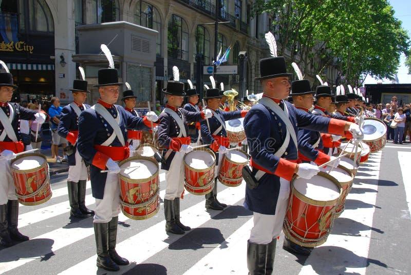 Uomini in costume del soldato fotografie stock libere da diritti