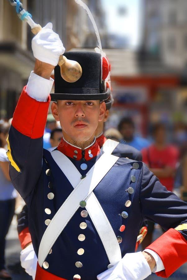 Uomini in costume del soldato immagine stock libera da diritti