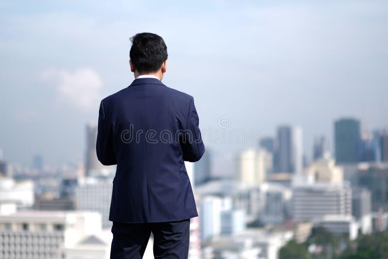 Uomini d'affari asiatici fotografia stock