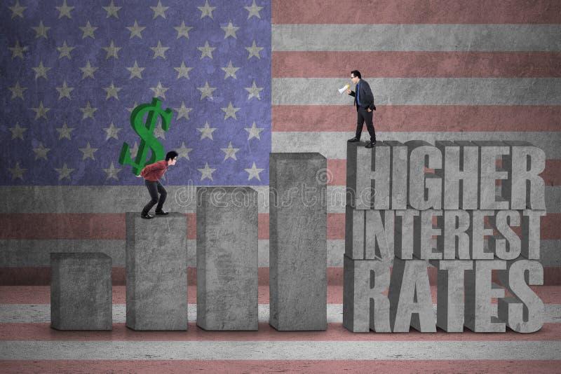 Uomini d'affari con il grafico di tassi di interesse illustrazione vettoriale