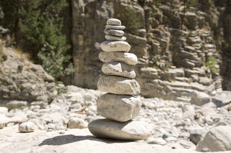Uomini di pietra in Samaria Gorge sull'isola di Creta fotografia stock