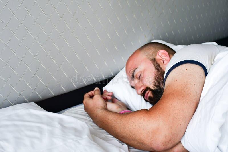 Uomo addormentato immagine stock libera da diritti