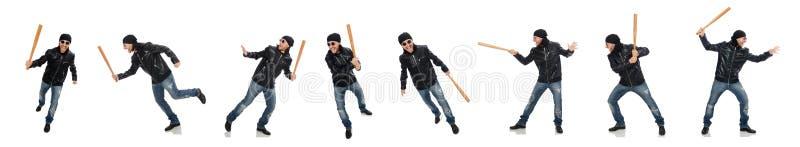 Uomo aggressivo con la mazza da baseball su bianco fotografie stock