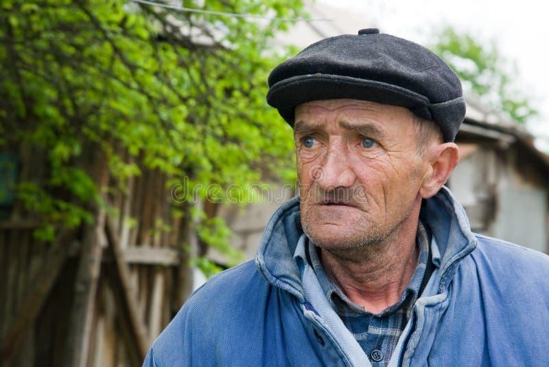 Uomo anziano triste fotografia stock