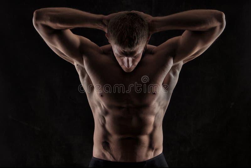 Uomo atletico immagini stock libere da diritti