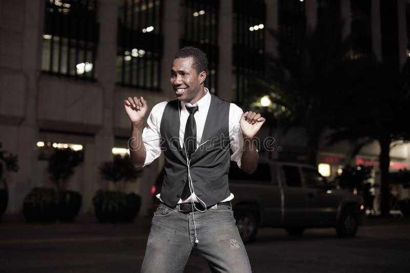uomo bello ballante fotografia stock libera da diritti