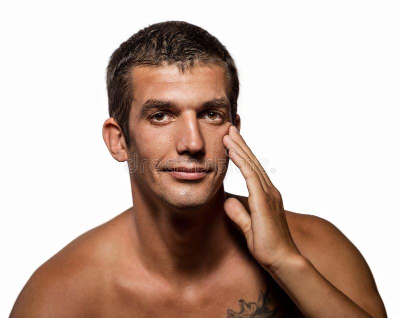 Uomo bello con la pelle pulita di salute immagini stock libere da diritti