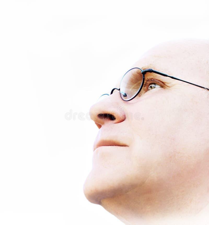 Uomo che cerca una visione fotografia stock libera da diritti