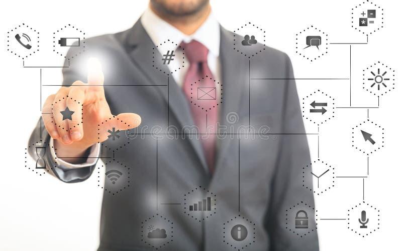 Uomo che indica alle icone del app sul fondo astratto della connessione di rete illustrazione 3D fotografia stock