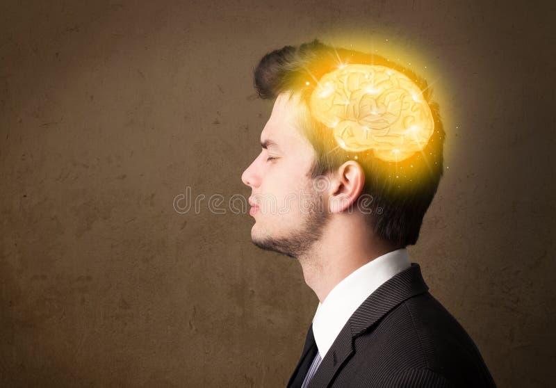 uomo che pensa con l'illustrazione d'ardore del cervello fotografia stock