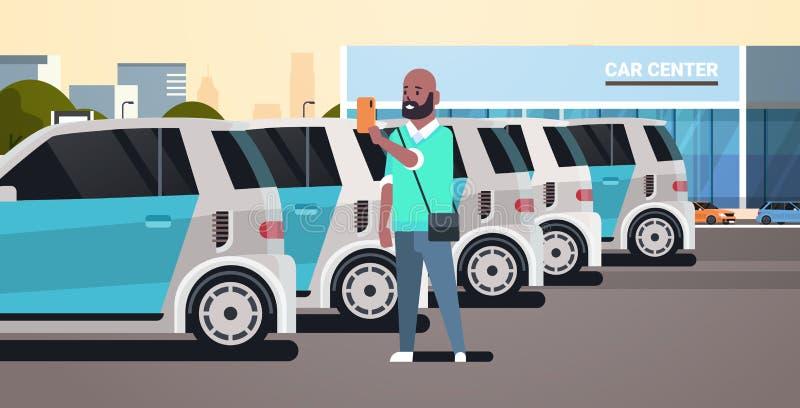 Uomo che sceglie veicolo su parcheggio del centro dell'automobile facendo uso della tenuta afroamericana del tipo di applicazione illustrazione vettoriale