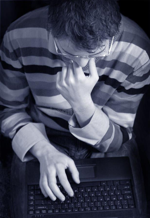 Uomo con il taccuino fotografie stock libere da diritti