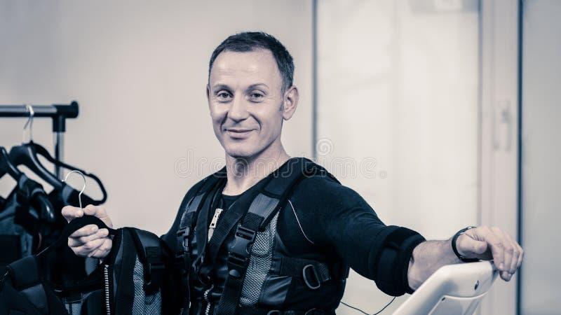 Uomo con l'attrezzatura di SME immagine stock libera da diritti