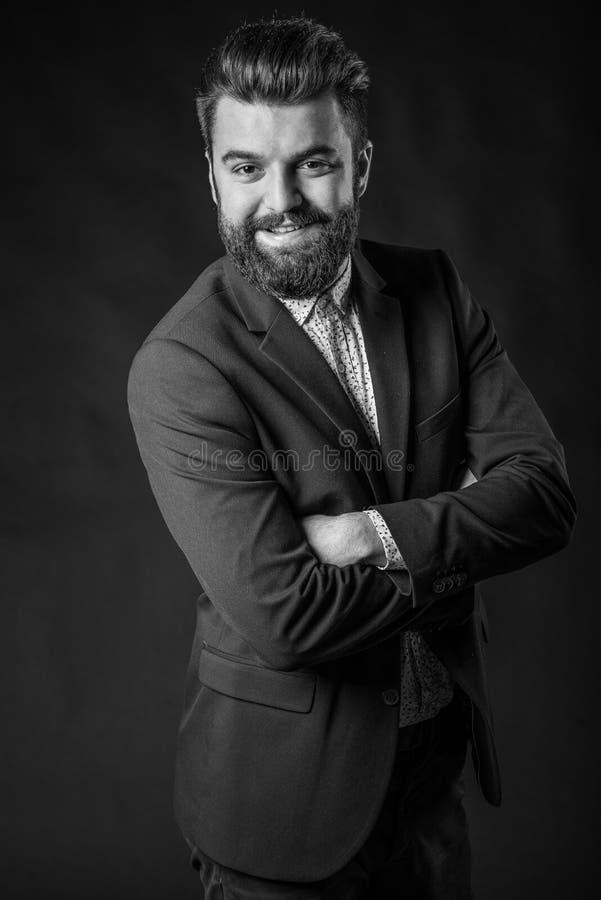 Uomo con la barba, in bianco e nero fotografia stock libera da diritti