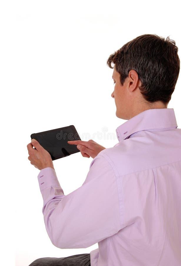Download Uomo Con La Compressa Dalla Parte Posteriore Immagine Stock - Immagine di internet, blank: 55352471