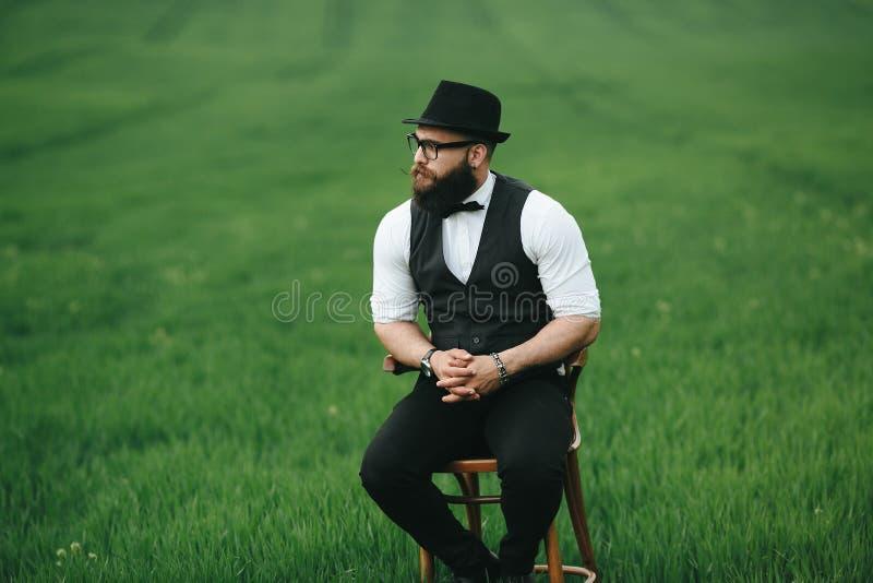 Uomo con una barba immagine stock libera da diritti