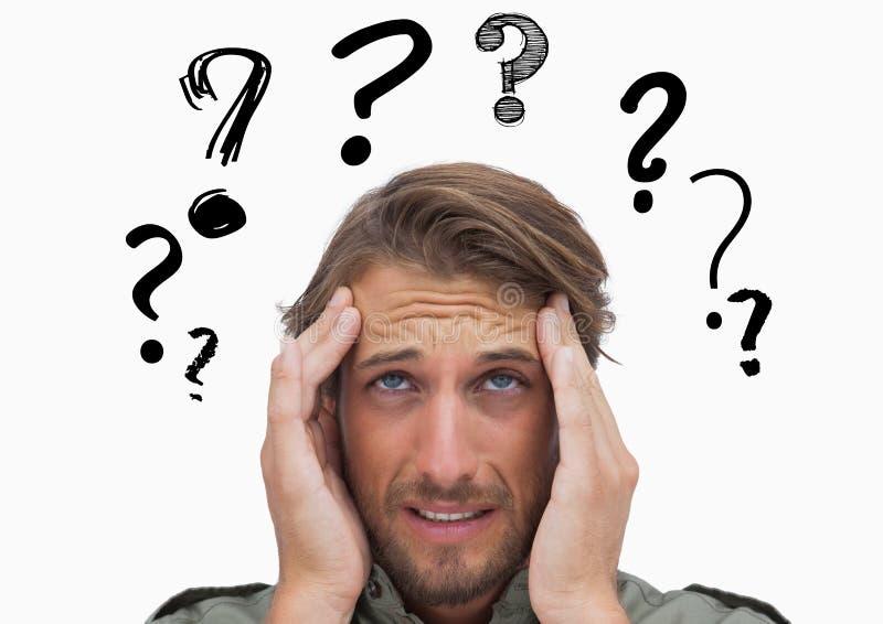 Uomo confuso con il punto interrogativo grafico sopraelevato immagine stock