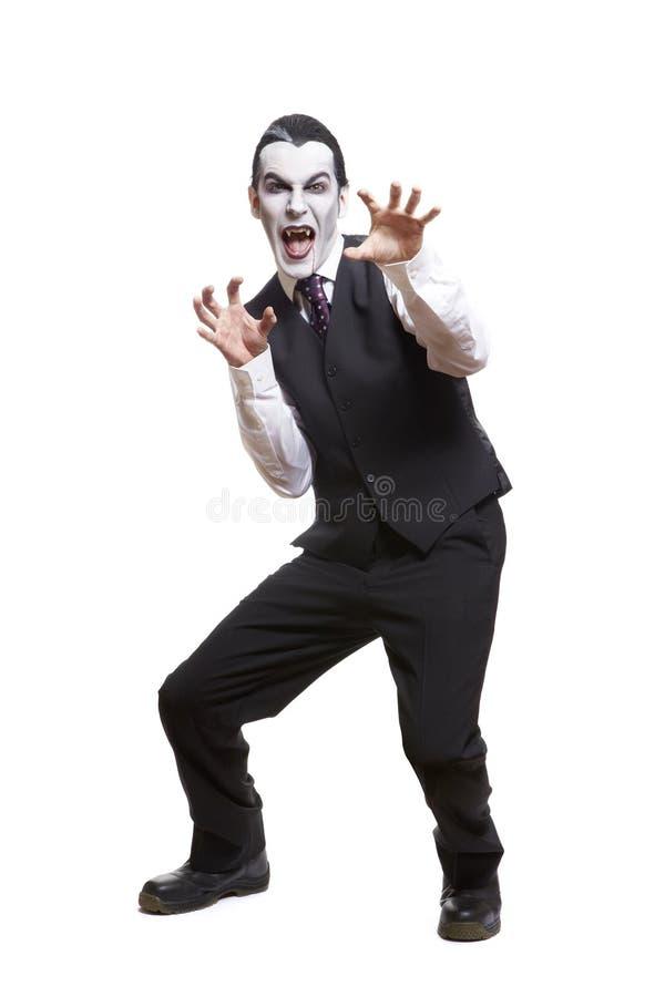 Uomo in costume del vestito operato da Dracula immagine stock libera da diritti