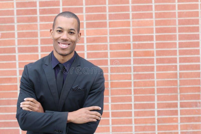 Uomo d'affari amichevole etnico felice Smiling con lo spazio della copia fotografie stock