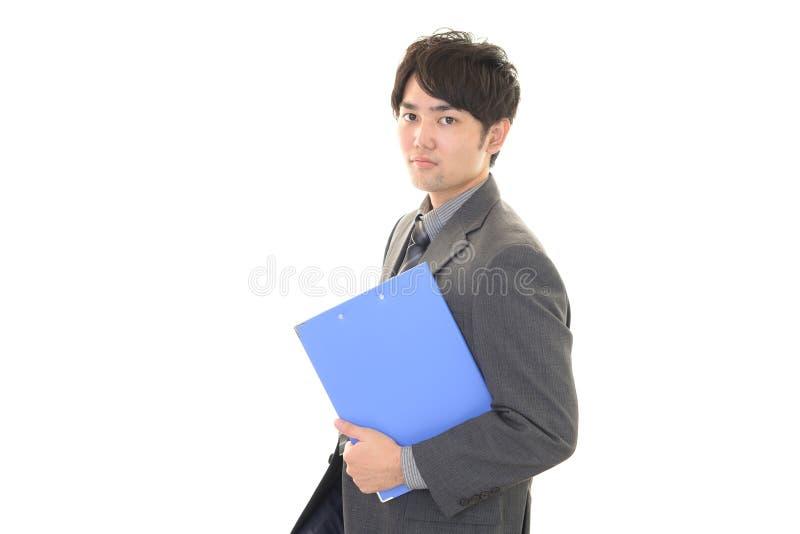 Download Uomo D'affari Asiatico Sorridente Immagine Stock - Immagine di modo, direzione: 56882295