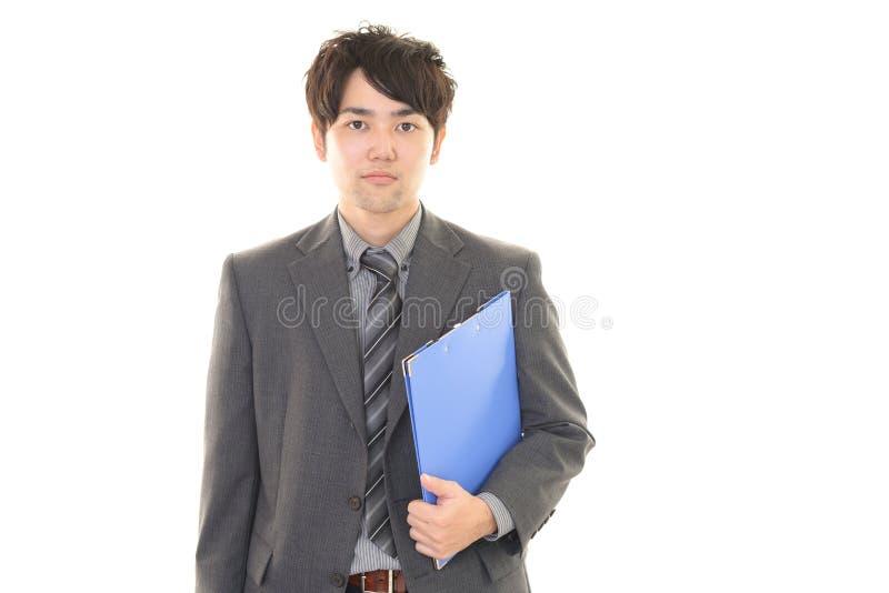 Download Uomo D'affari Asiatico Sorridente Immagine Stock - Immagine di lavoro, umano: 56883115