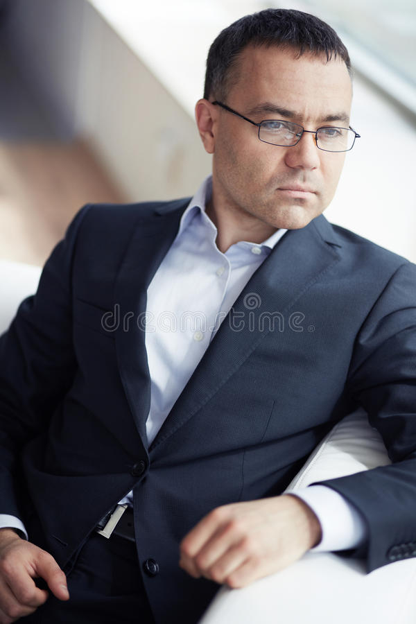 Uomo d'affari attraente immagine stock libera da diritti