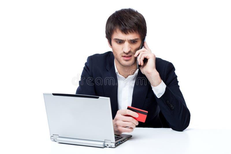 Uomo d'affari che compera online immagine stock libera da diritti