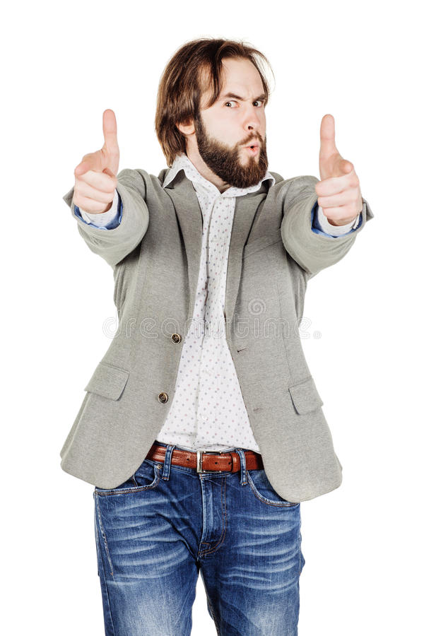 Uomo d'affari che fa gesto della pistola, esaminante macchina fotografica isolato di immagine fotografia stock