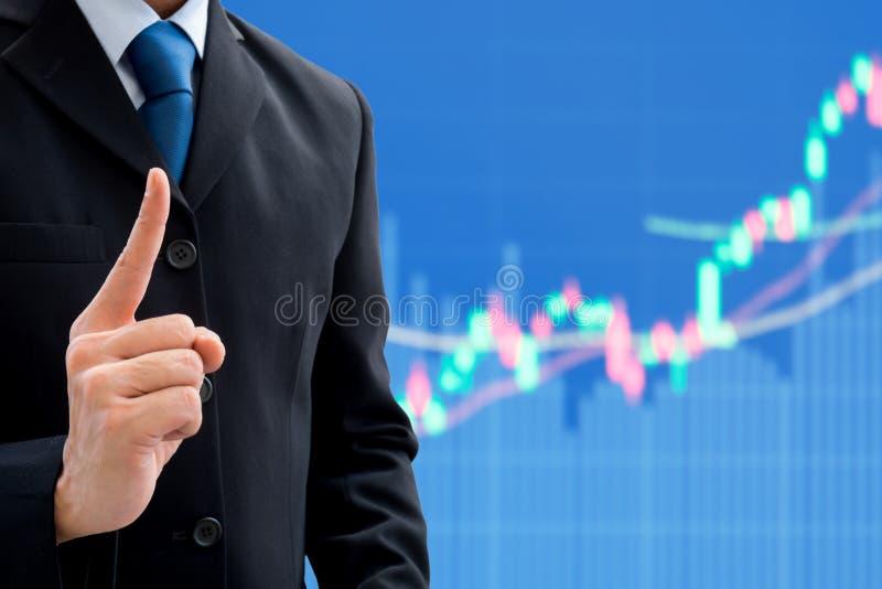 Uomo d'affari che ottiene buone idea e strategia immagine stock libera da diritti