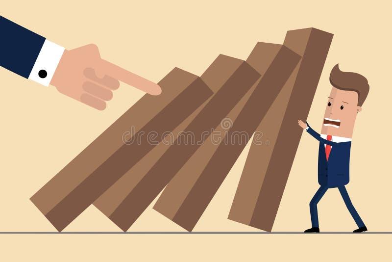 Uomo d'affari che prova a fermare domino di caduta Gestione di crisi di affari e concetto della soluzione Concetto del rischio Il illustrazione di stock