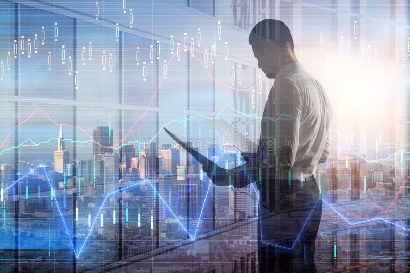 Uomo d'affari con il grafico dei forex illustrazione di stock