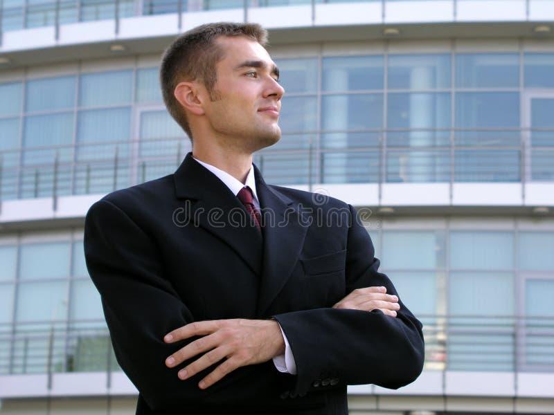 Uomo d'affari con le sue braccia attraversate immagine stock libera da diritti