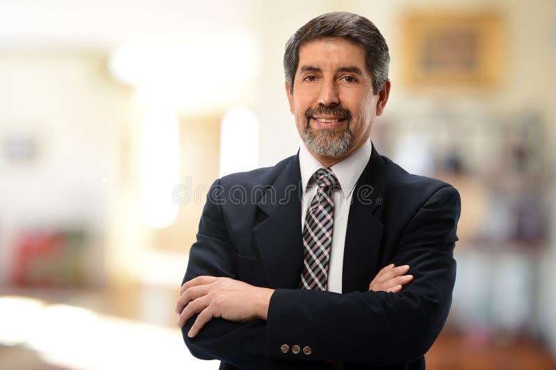 Uomo d'affari ispano maturo fotografia stock