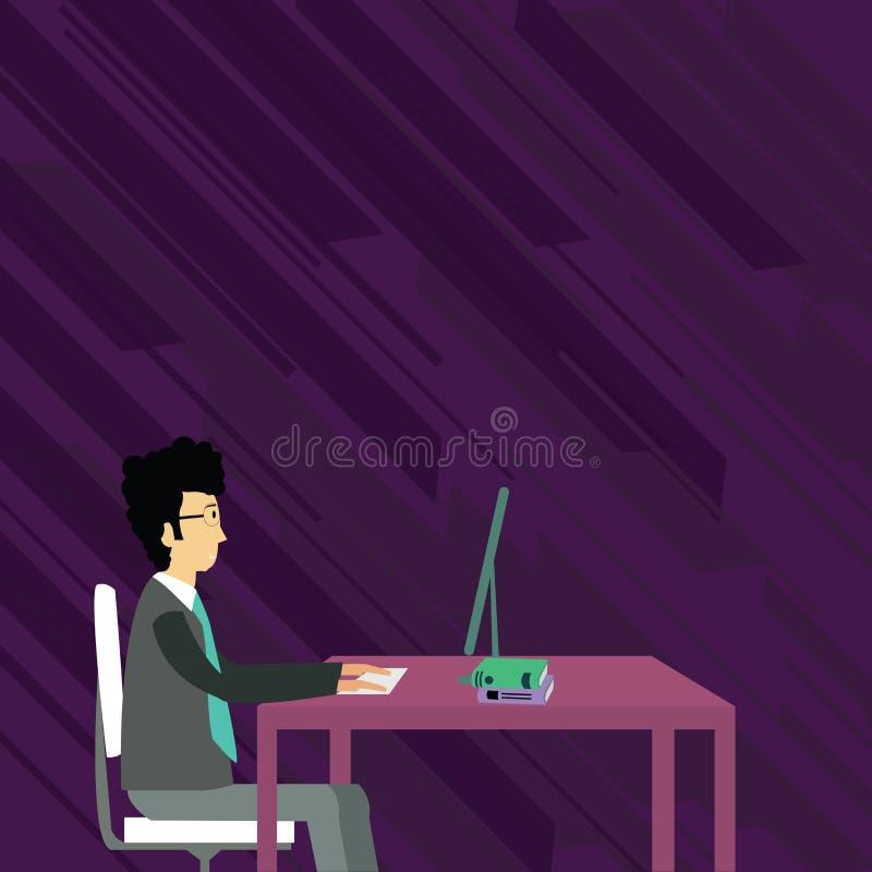 Uomo d'affari Sitting Straight su funzionamento della sedia sul computer con i libri sulla Tabella Idea creativa del fondo per me royalty illustrazione gratis