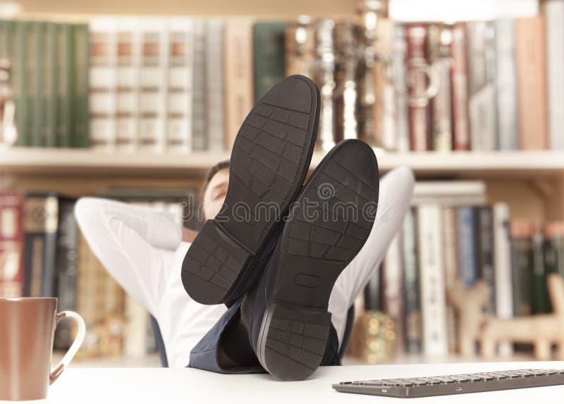 Uomo d'affari stancato immagini stock