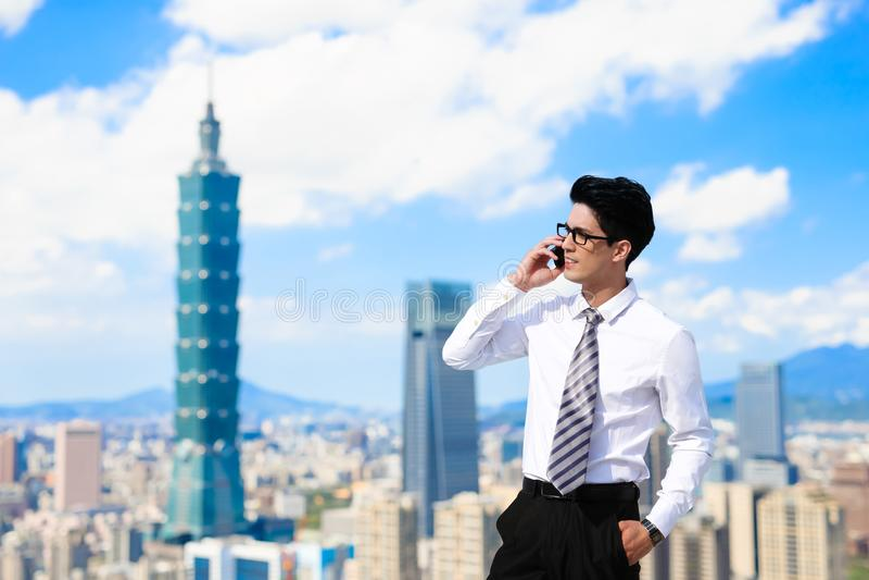 Uomo d'affari a Taipeh fotografie stock libere da diritti