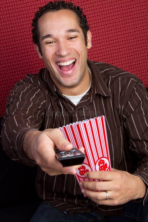Uomo del popcorn TV immagine stock libera da diritti