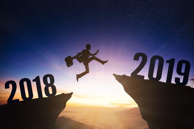 uomo di affari con un concetto di 2019 nuovi anni fotografia stock