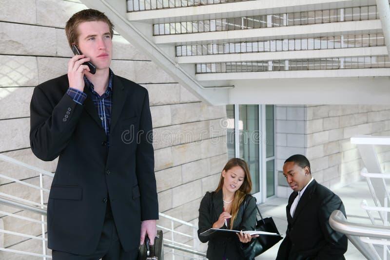 Uomo di affari sul telefono immagine stock libera da diritti