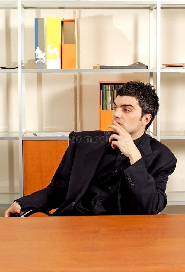 Uomo di affari in ufficio immagine stock libera da diritti